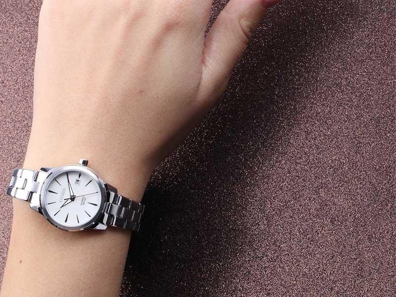 đồng hồ Citizen EU6070-51D