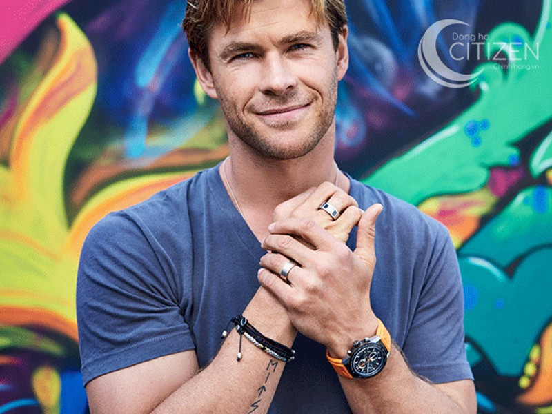 Chris Hemsworth rất thích chọn những chiếc đồng hồ đa chức năng hoặc chức năng thể thao để trông nam tính hơn.