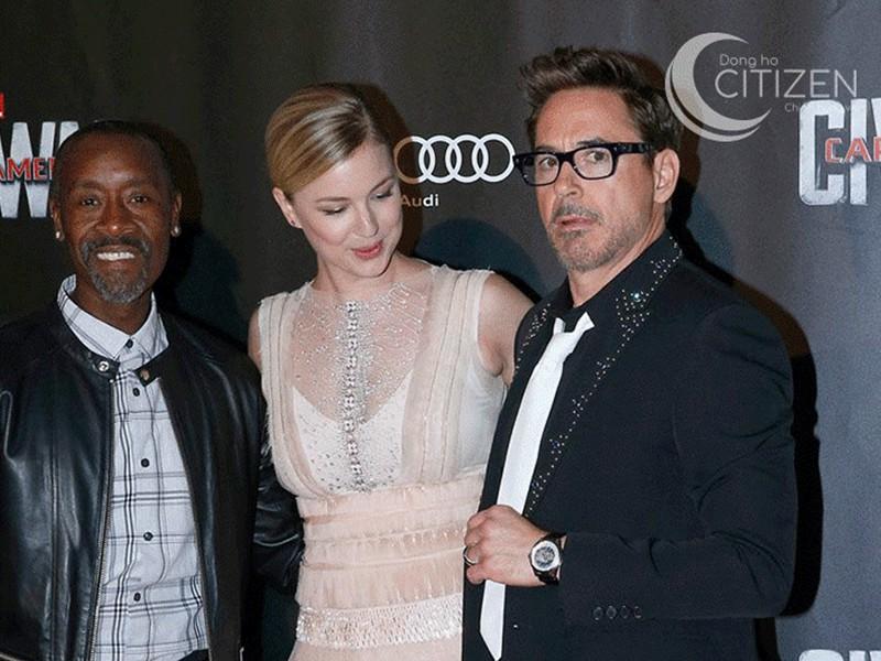 Robert Downey Jr sở hữu phong cách thời trang lịch lãm, mang đậm hình ảnh doanh nhân.