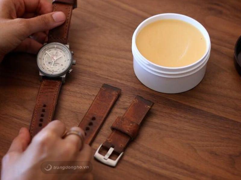Cách bảo quản dây da đồng hồ bền đẹp như mới