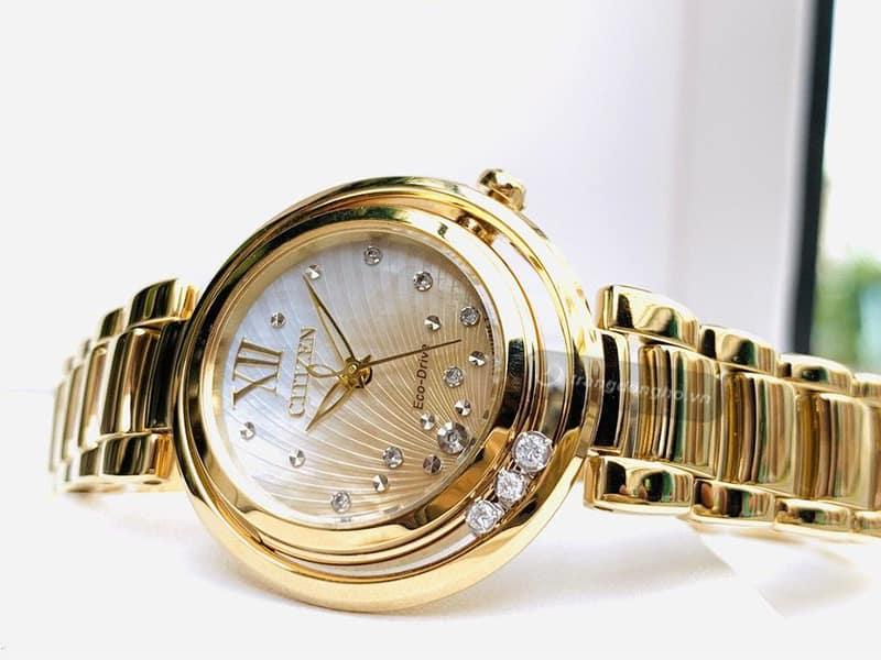 đồng hồ vỏ mạ vàng