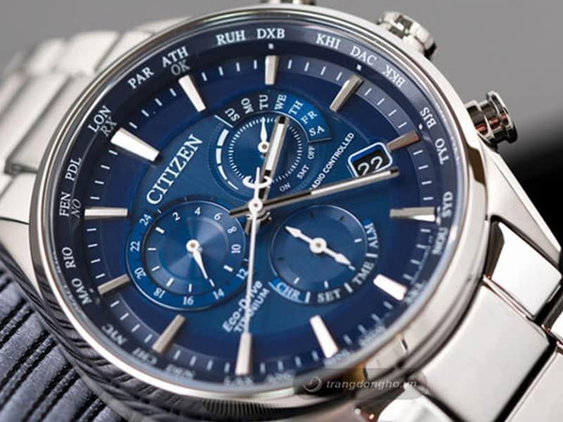 đồng hồ titanium