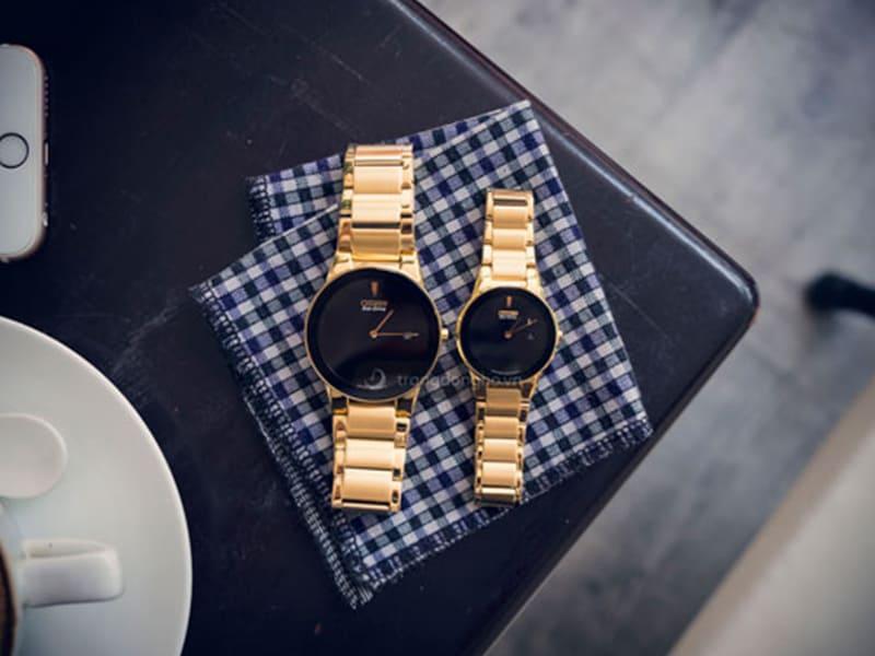 Đồng hồ đôi Citizen màu vàng
