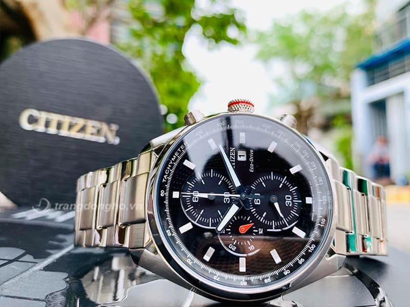 Citizen CA0360-58A thiết kế theo phong cách thể thao năng động, vẻ đẹp của 2 sắc màu đen - trắng sang trọng, tinh tế cho người dùng