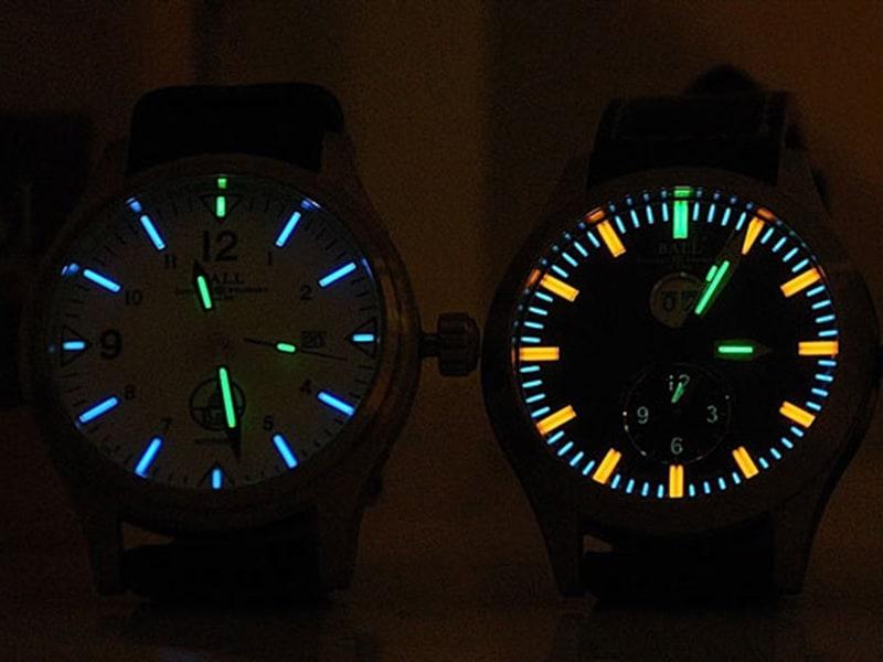 Đồng hồ Citizen sẽ phát sáng khi được đặt trong bóng tối
