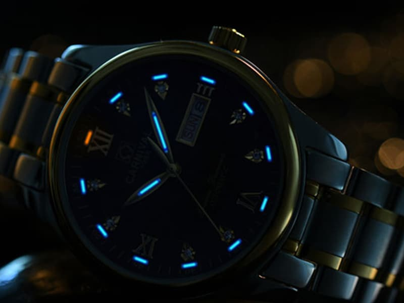đồng hồ Citizen phát sáng
