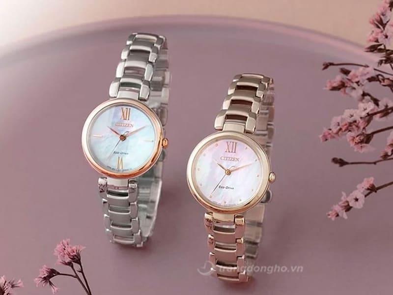 Đồng hồ Citizen EM0533-82Y thuộc bộ sưu tập L-Ladies là dòng dành riêng cho nữ nên thiết kế vô cùng mềm mại, đẳng cấp