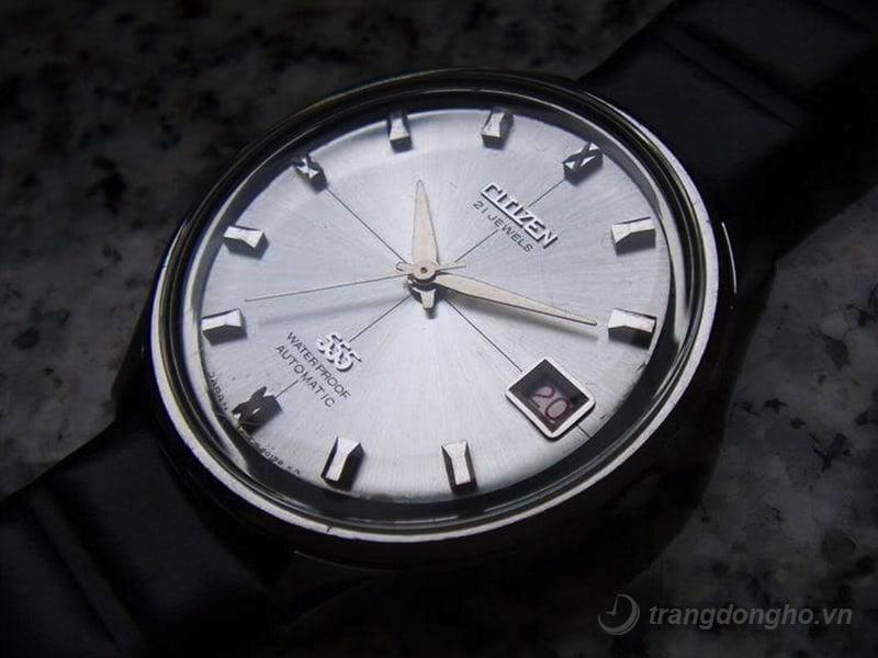 dong-ho-citizen-21-jewels-gia-bao-nhieu